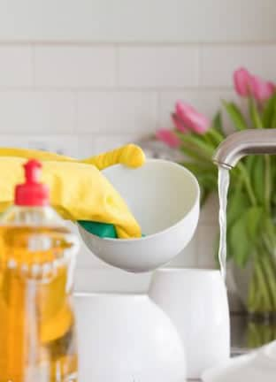 Make Easy Maid provides professional, friendly, and extremely thorough cleaning services in Los Angeles